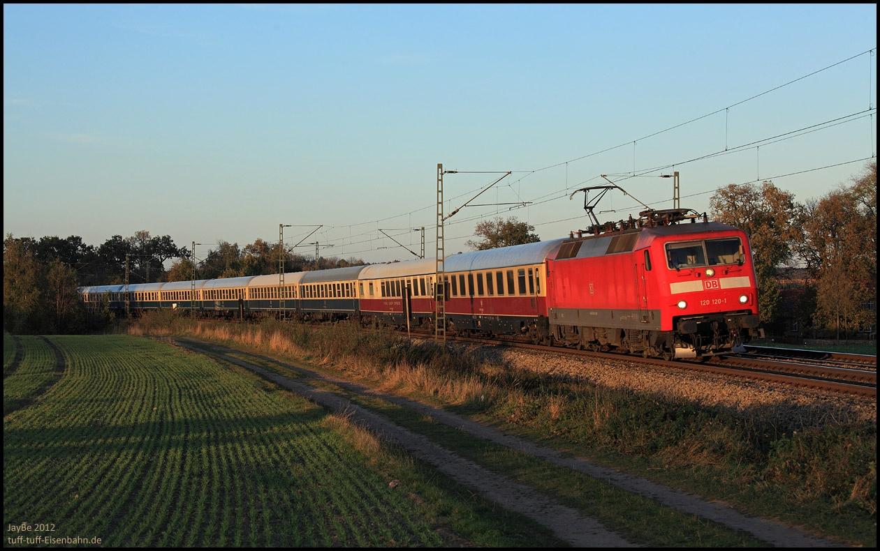 http://www.tuff-tuff-eisenbahn.de/aktuell/oktober2012/slides/120120_121028.jpg